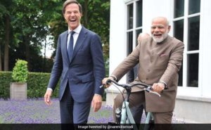 Dutch PM Mark Rutte gifts Bicycle to PM Modi 1
