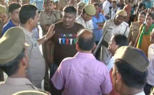 dalit activists arrest 650x400 71499081231 300x185 UP Police arrests Dalit activist during press conference in Lucknow