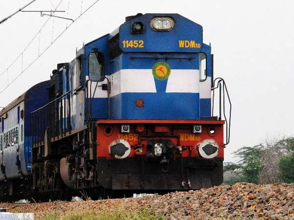 Indian railways serves food unsuitable for your consumption, claims CAG report