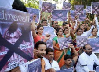 Padamavati movie issue rises as deepika padukone supports sanjay leela bhansali