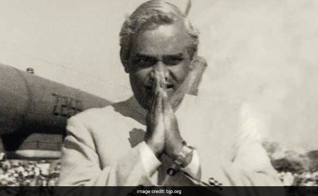Live: Former Prime Minister Atal Bihari Vajpayee dies at 93, last breath in AIIMS 3